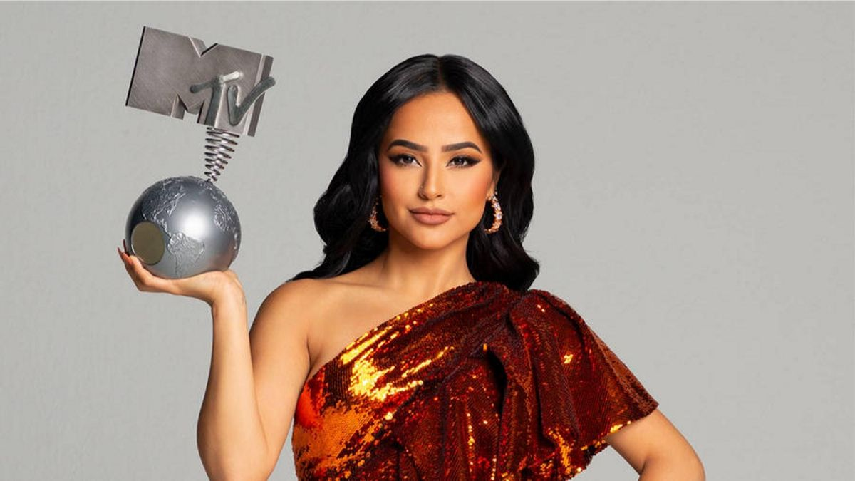 2019 MTV EMA's: Becky G Announced as Host.