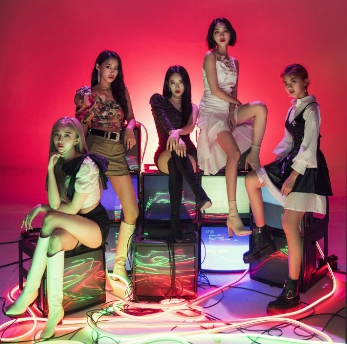 Hinapia S Debut Check Out K Pop S Newest Girl Group The Honey Pop Grab these abstract design starters this week! newest girl group