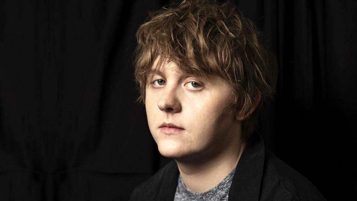 Lewis Capaldi Announces Deluxe Edition of His Debut Album 'Divinely Uninspired To A Hellish Extent' and We're Just Adding it to Our Christmas List