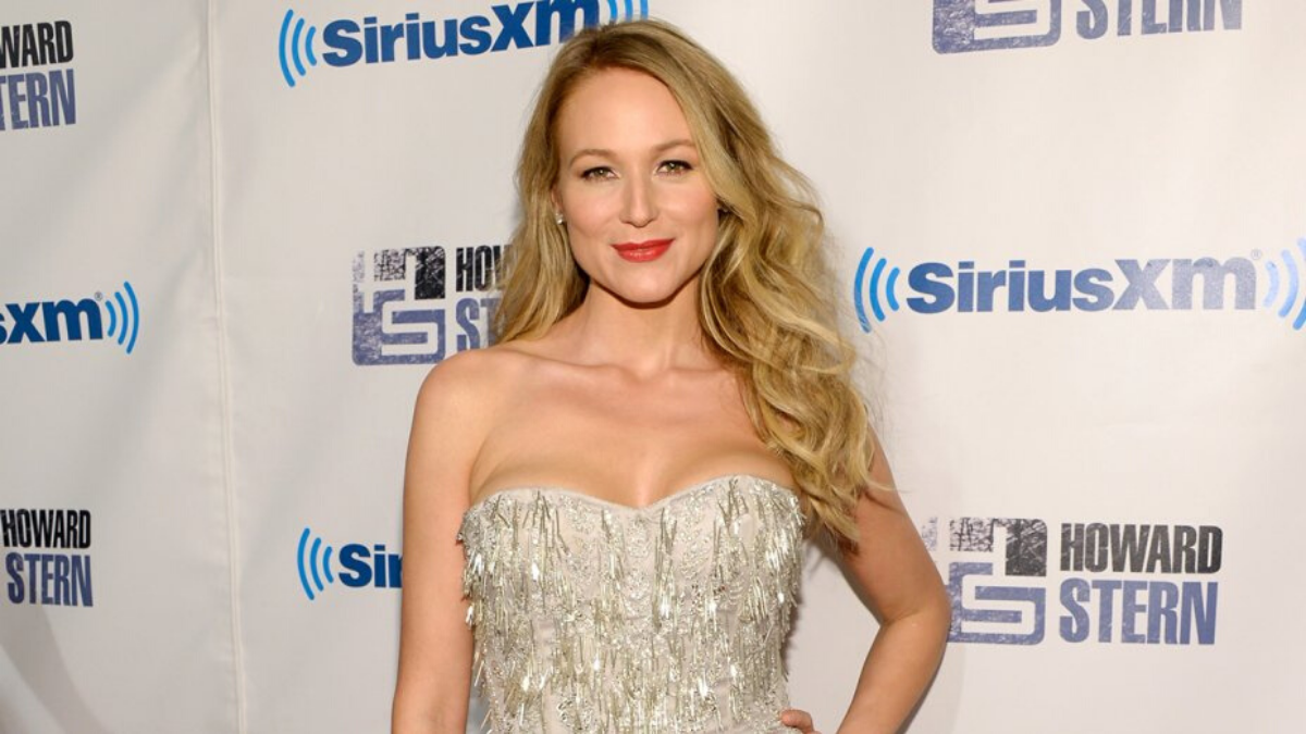 She's Back! Jewel's 'No More Tears' Gave Us Goosebumps
