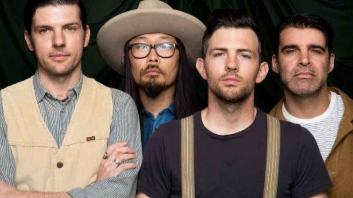 The Avett Brothers Are Set To Play Shows With Beatles Legend Ringo Starr!
