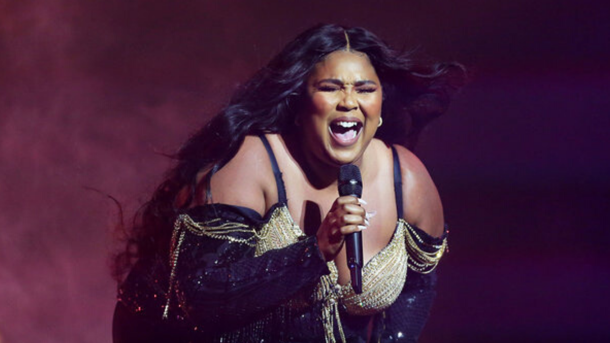 Lizzo Proves Her Legend Status by Visiting Foodbank Australia to Thank Them For Everything They are Doing For the Bushfire Victims