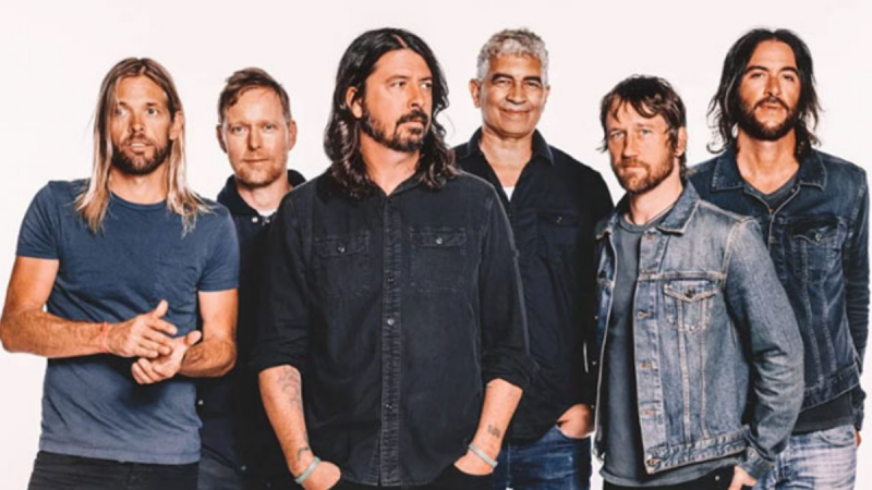 It Has Been 25 Years Of The Foo Fighters & We're Here To Share Our Fave Iconic Moments!