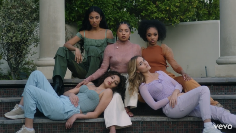 Kiana Ledé and Her Girl Gang Are Taking Over In Her New Music Video