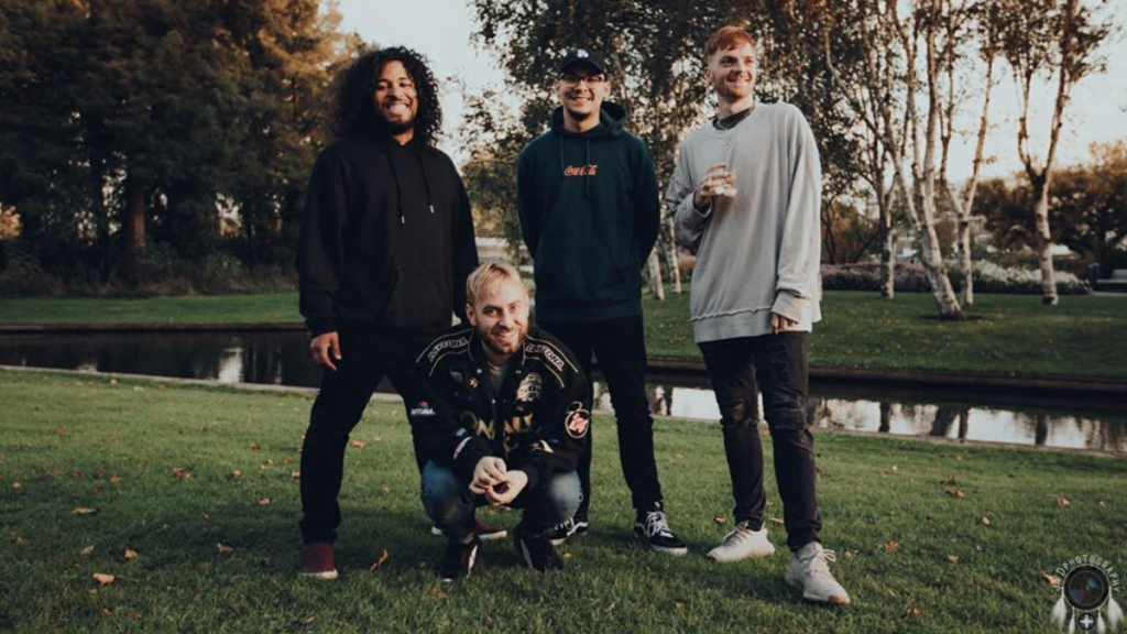 Issues Promo Outdoors