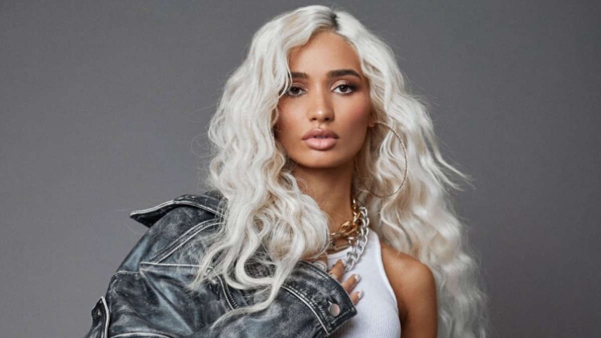 5 Reasons Why You Should Stan Pia Mia