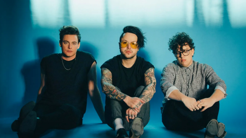 5 lovelytheband Music Videos You Need To Check Out!