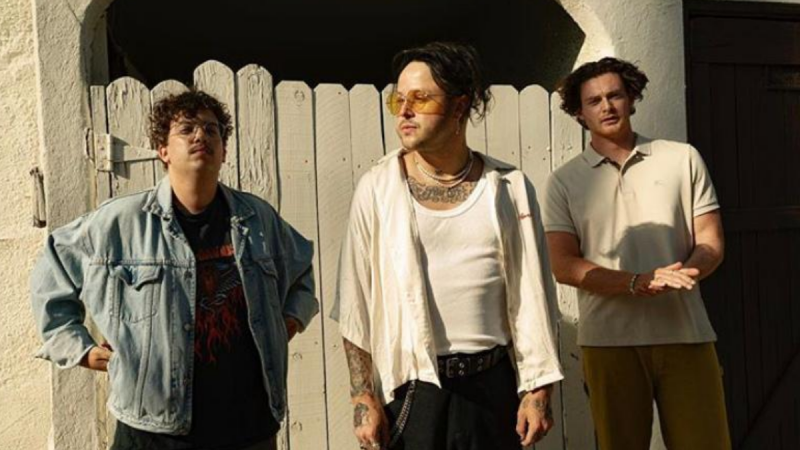 lovelytheband First-Ever Live-Stream Performance