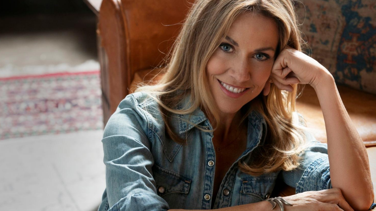 Sheryl Crow Will Have You Loving 'In The End'