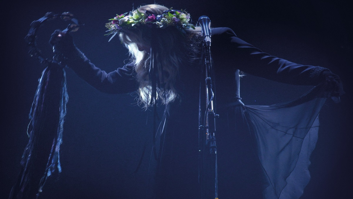 Get Your Tambourines Ready: Stevie Nicks Is Bringing Us Gold This Fall With New Concert Film!
