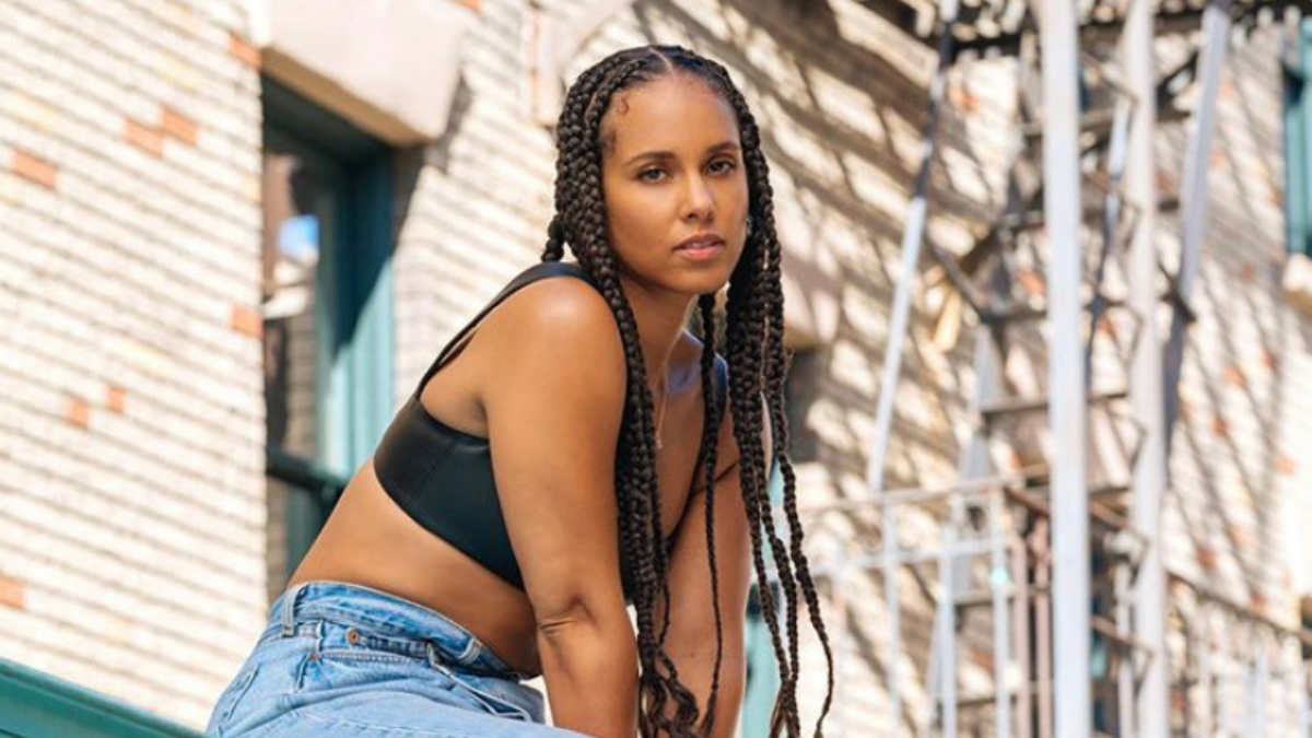 Alicia Keys Shows Us That 'Love Looks Better' In New Music Video