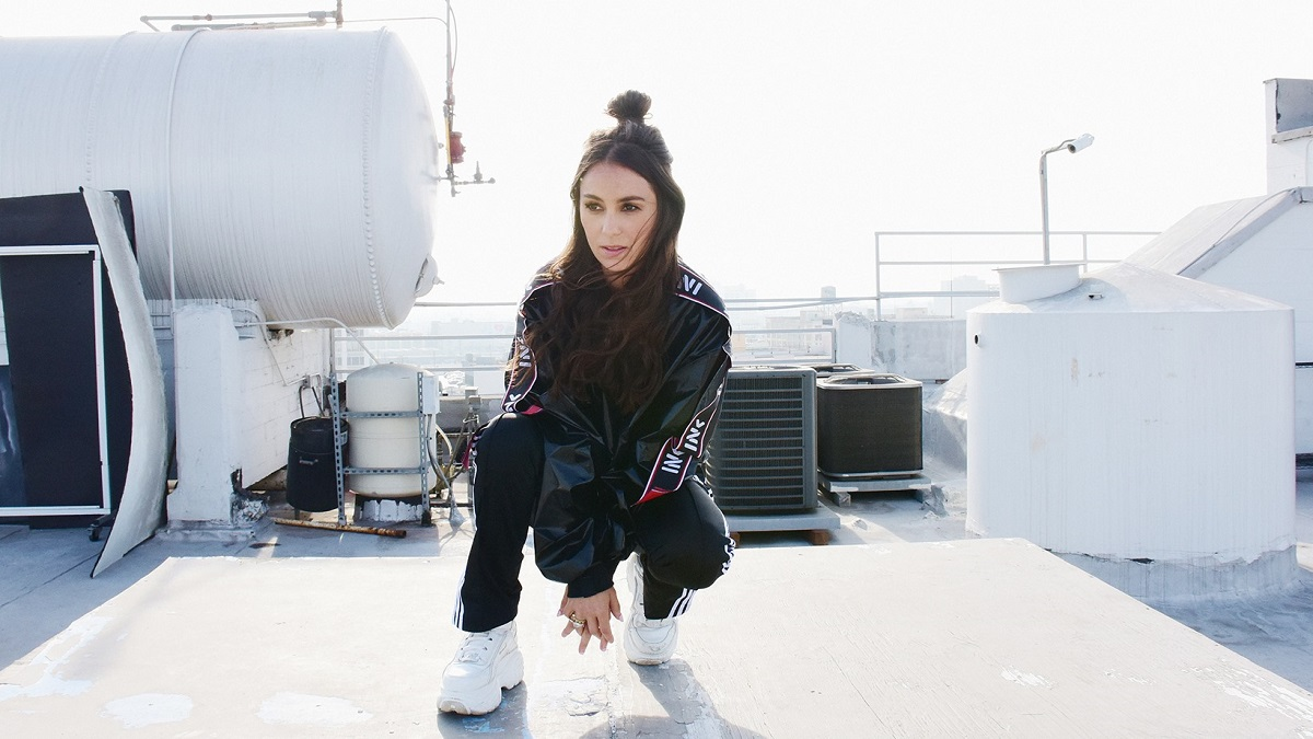 'C'MON!' We Love This Amy Shark and Travis Barker Collab