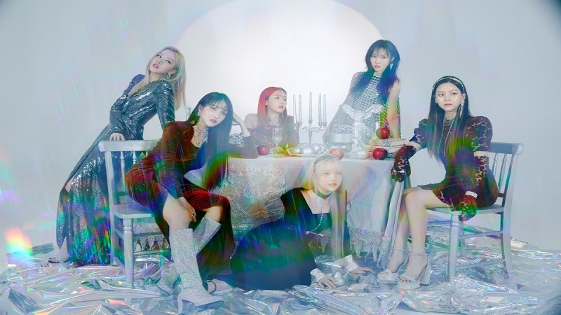 Hey Buddy, GFRIEND Tells All in Final Album of the 回 Series