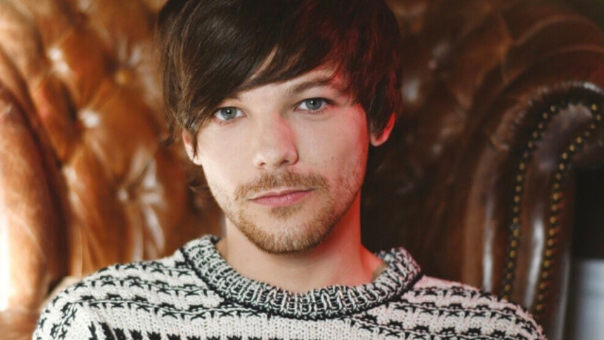 Louis Tomlinson Reclaims the Throne as 'Walls' Climbs to #1 on iTunes Eights Months After Release!