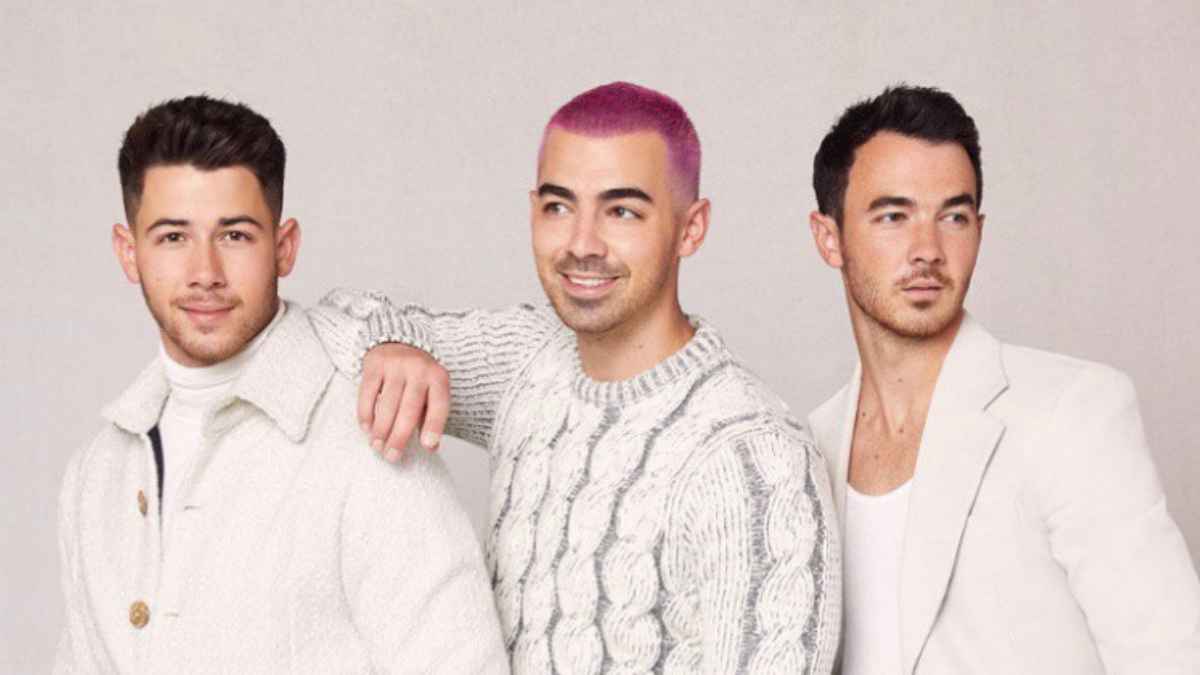 Witness Some Of The Jonas Brothers' Memories With Their New Lyric Video!