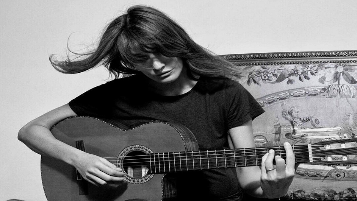 Carla Bruni Is Bringing All The Love In Tender 'Un Grand Amour' Music Video