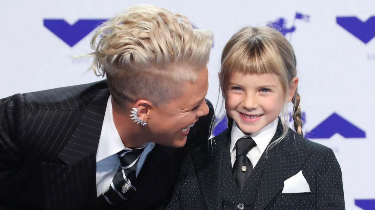 P!NK and Willow Sage Hart bring Sunshine into our Lives