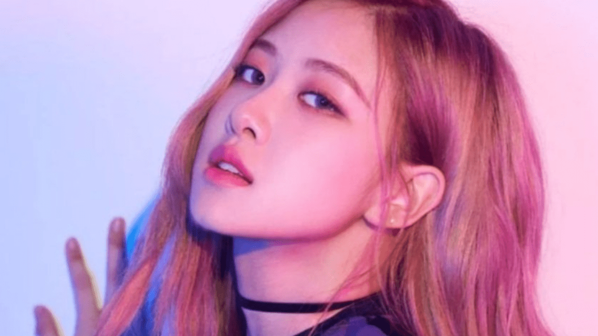 Rosé Is Aiming For The Sky While Staying 'On The Ground'