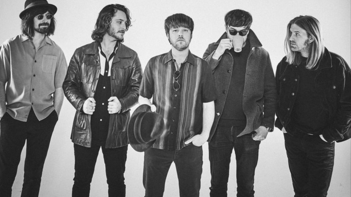 The Coral Sort Out Your 'Vacancy' For The Summer