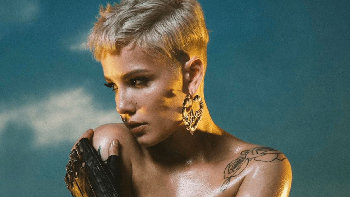 Halsey Is Being Cryptic And We Want To Know Why!