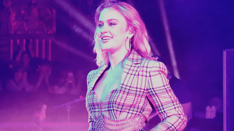 Zara Larsson Throws A Picture Perfect Gig For  Poster Girl