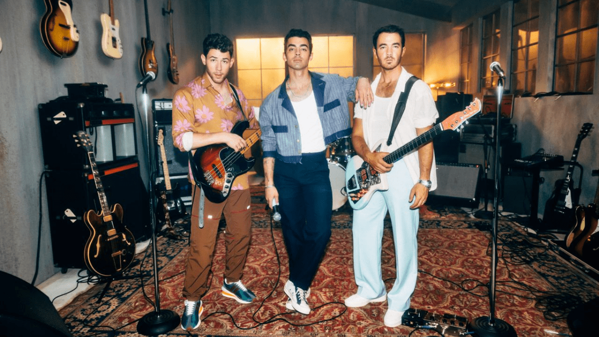 'Who's In Your Head?' Jonas Brothers Are In Ours!