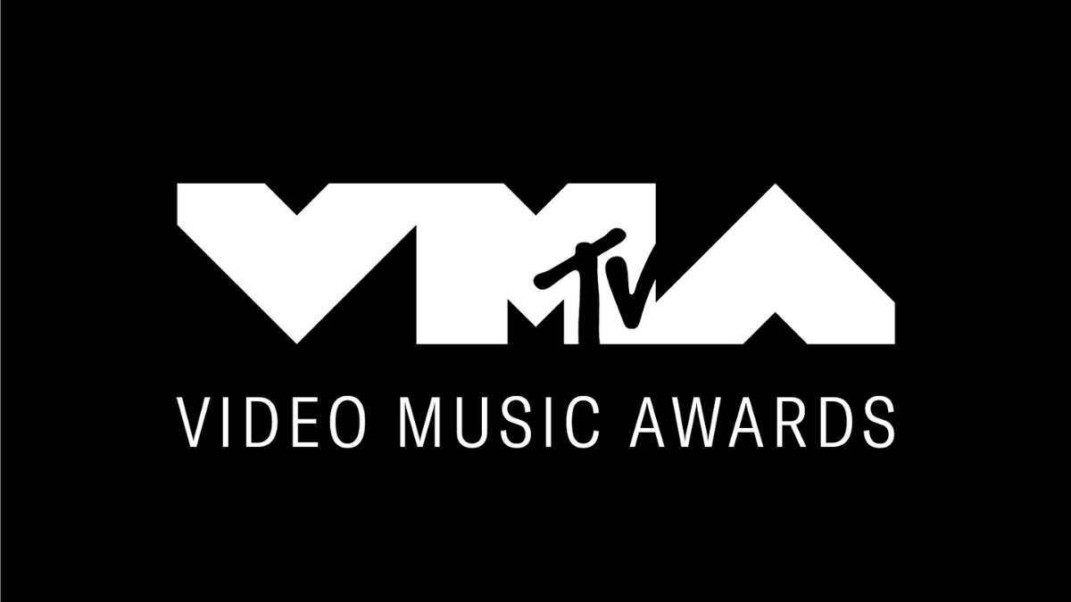 9 Of The Best VMA Performances