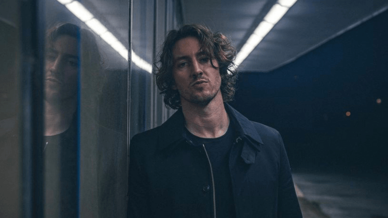Dean Lewis' 'Looks Like Me'  Is Your New Anthem!