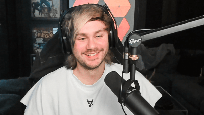 Our Favorite 8 Moments From Michael Clifford's Streams