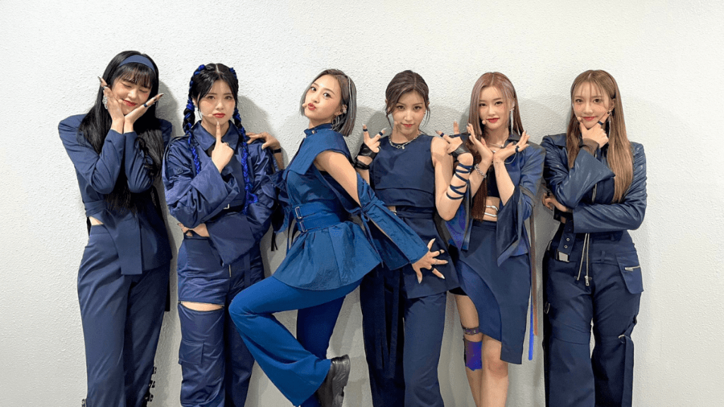 Pixy's comeback stage outfits